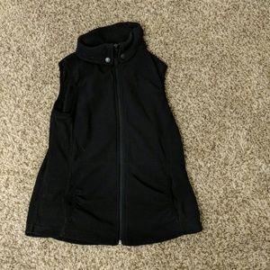 Sleeveless black sweater shirt